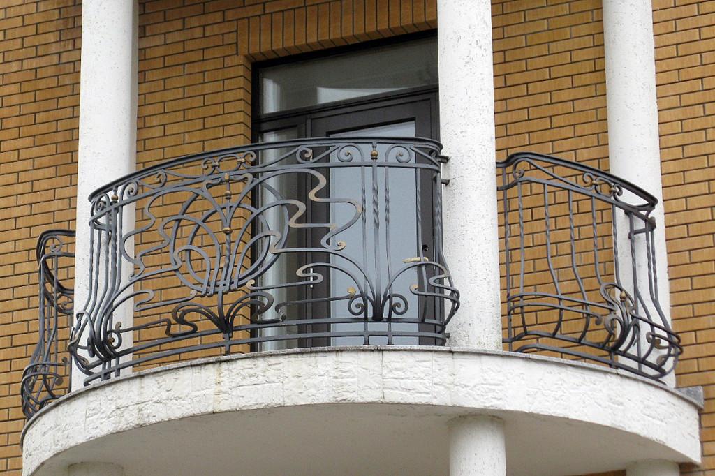 кованная решетка на балкон