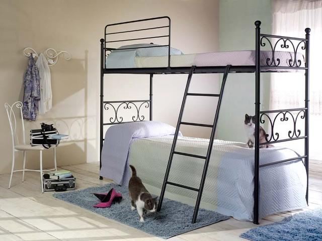 двухъярусная кованая кровать