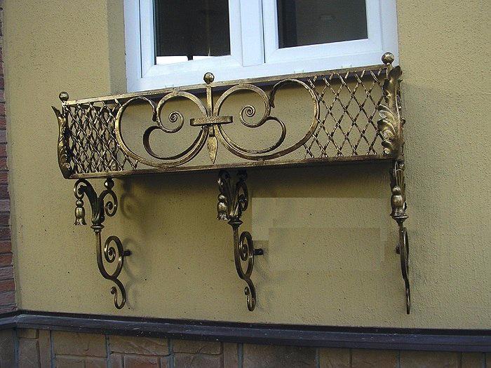 цветочницы кованые на окна фото